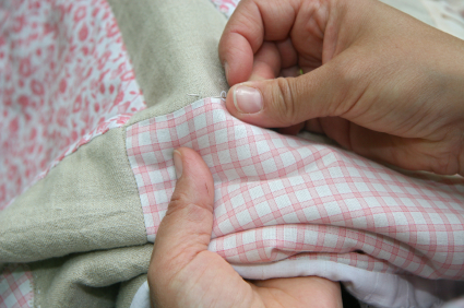 Image - Hands sewing